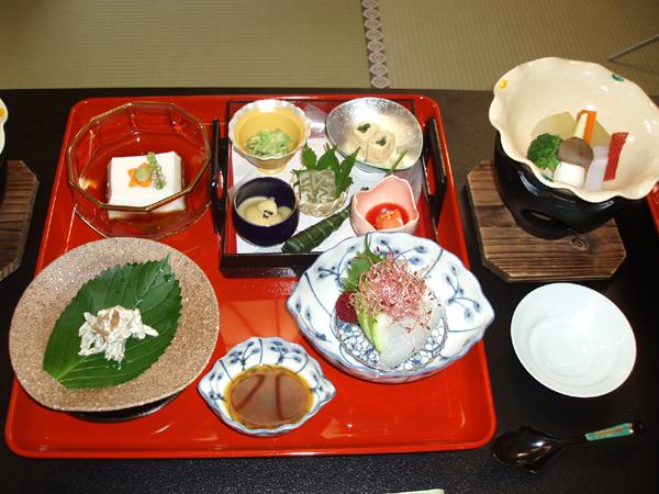 高野山・総持院の精進料理