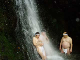 駒鳥山荘滝行
