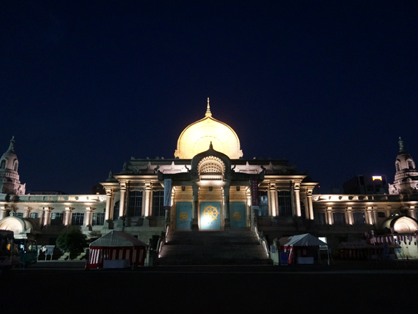 夜の築地本願寺
