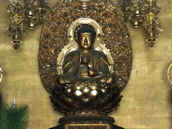 京都妙心寺の釈迦如来