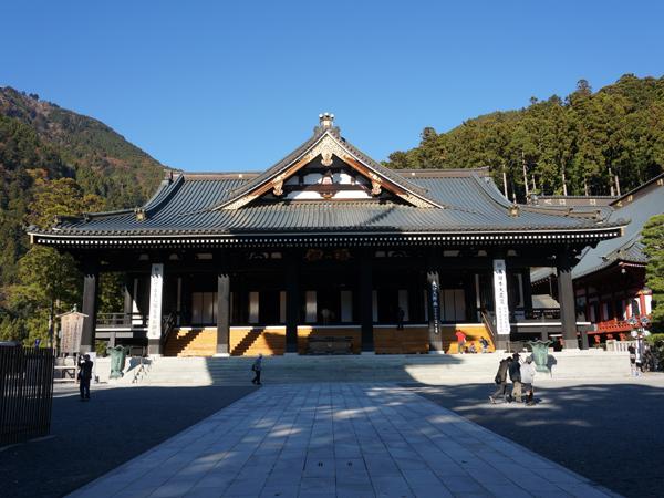 身延山久遠寺の本堂