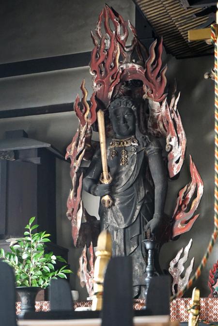 京都・行願寺の不動明王