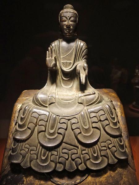 東京国立博物館の博物館の如来坐像