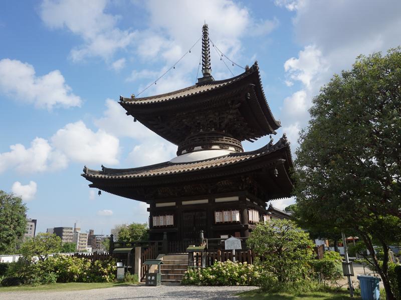 勝鬘院(愛染堂)の多宝塔