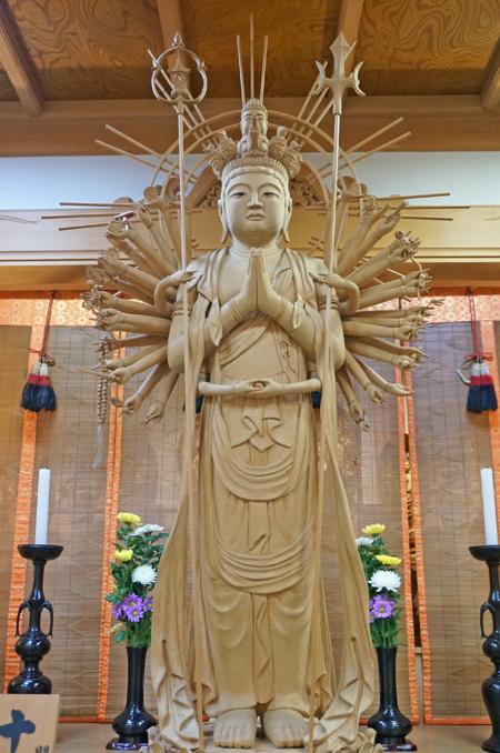 東京・高乗寺の千手観音