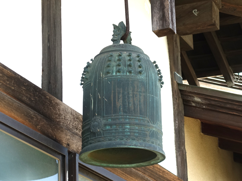 お寺の半鐘