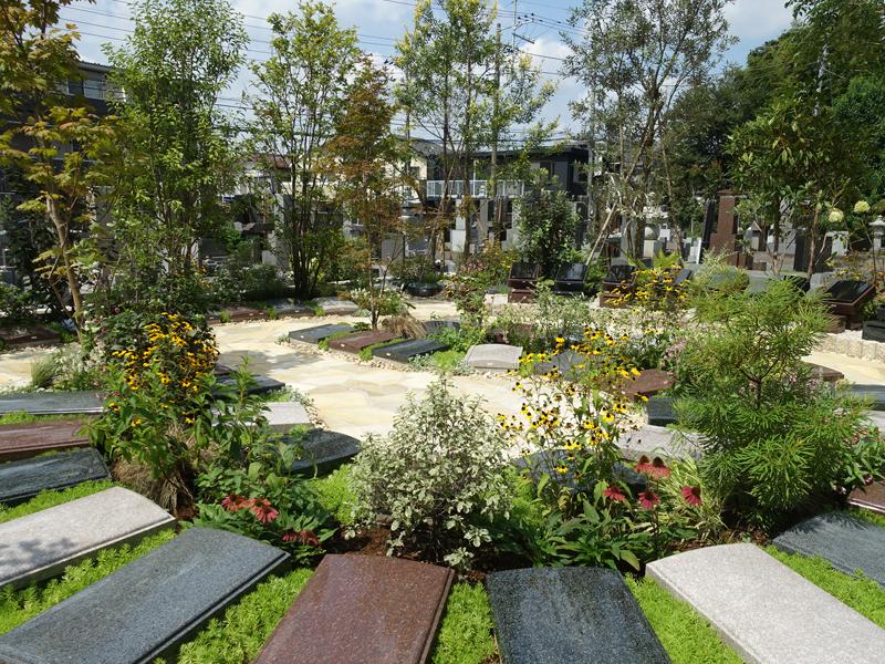 證誠院の樹木葬庭苑
